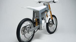 Realizada en aluminio y fibra de carbono, se carga con electricidad.
