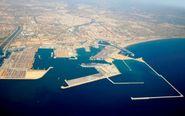 Imagen aérea del Puerto de Valencia con el dique finalizado hace...