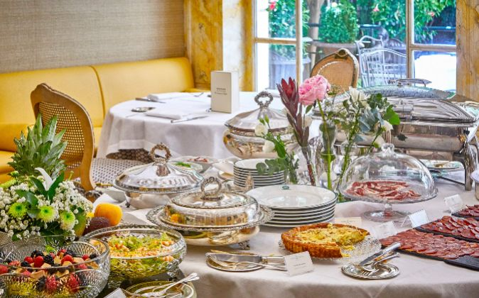 El 'brunch' del Orfila incluye algunos platos típicos de...