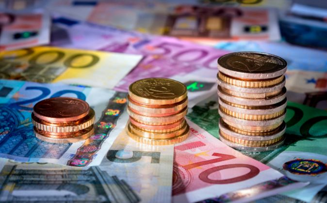 Billetes de euros, monedas.