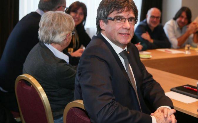 El expresidente de la Generalitat Carles Puigdemont se reúne con...