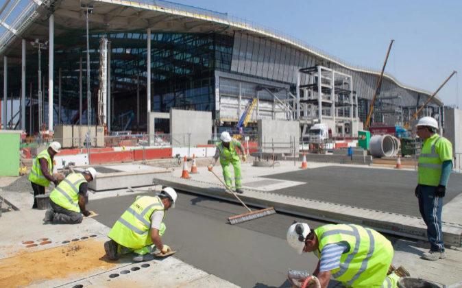 Construcción de la terminal T2 del aeropuerto de Heathrow en Londres...