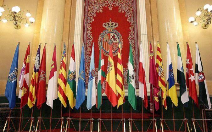 Imagen de las banderas autonómicas.