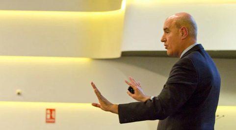 Mauro Guillén | Director del Lauder Institute y catedrático en la...