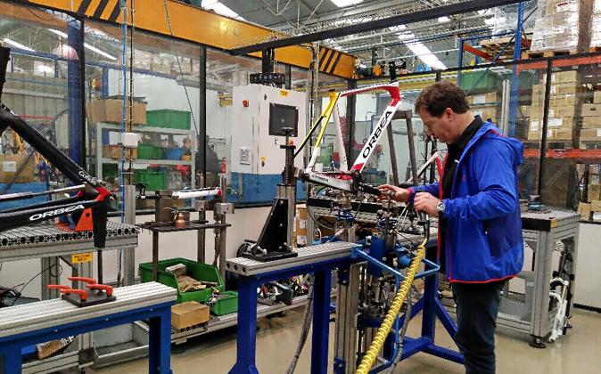 La industria, sobre todo la manufacturera, tiró del crecimiento...