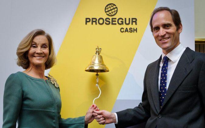 Helena Revoredo, presidenta de Prosegur y el consejero delegado de...