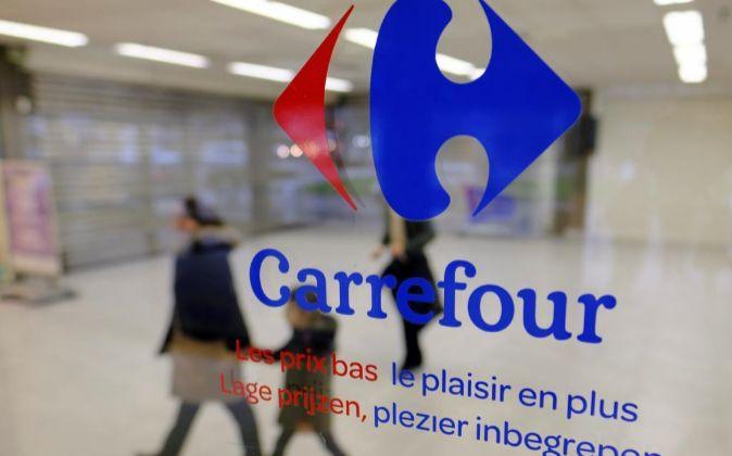 Entrada a un supermercado de Carrefour en Bruselas