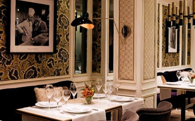 La 'brasserie' Antoinette abrió el pasado otoño junto a la...