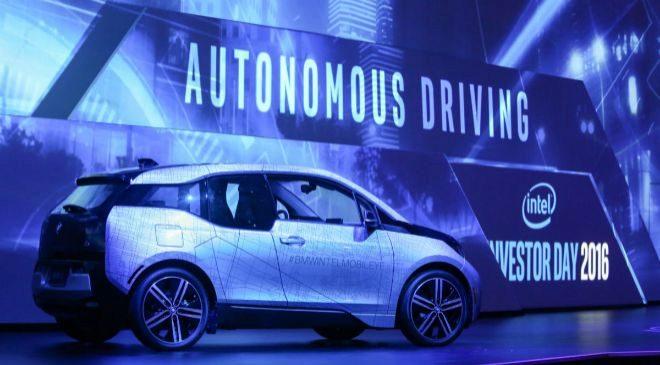 Vehículo BMW equipado con la tecnología Mobileye de Intel.