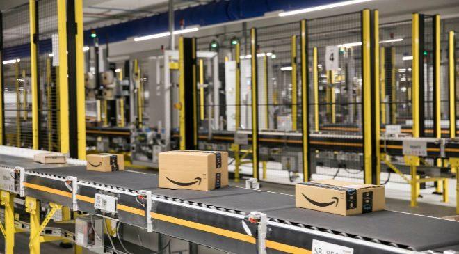 Imagen del recién inaugurado centro logístico de Amazon en El Prat...