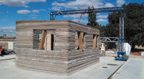 La casa se está edificando en la Universidad Politécnica de...