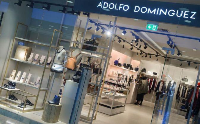Adolfo dom nguez abrir sus primeras tiendas en rusia for Tiendas adolfo dominguez valencia