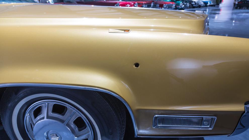 Elvis compró el Fleetwood Eldorado Coupé el 28 de...