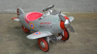 La colección, formada por 140 piezas, también cuenta con avionetas.