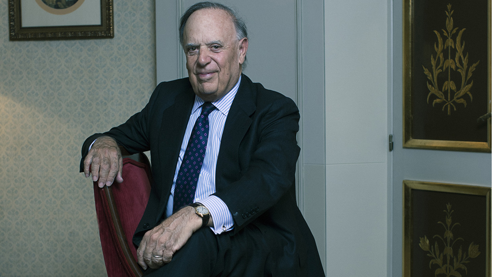 Falcó, 81 años, fotografiado en una de las habitaciones del Hotel...