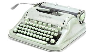 Máquina de escribir de Sylvia Plath subastada por la casa londinense...