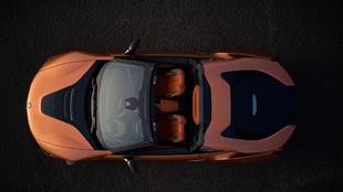 Vista cenital del nuevo deportivo híbrido alemán con el techo...