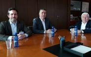 Los representantes de Covaco y Cecoval, con el conseller Climent.
