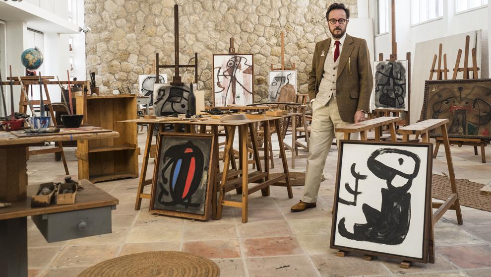 Joan Punyet, 49 Años, en el estudio Sert (Palma de Mallorca), donde...