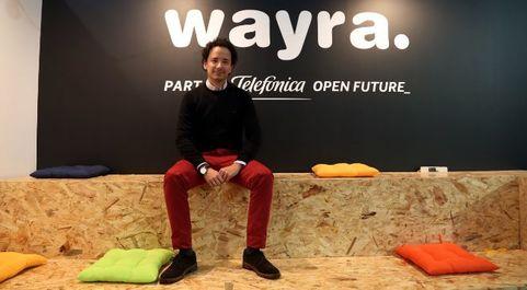 Miguel Arias posa para EXPANSIÓN en el 'stand' de Wayra en...