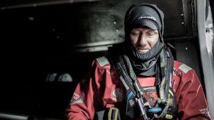 John Fisher se prepara para subir a la cubierta del Scallywag el...