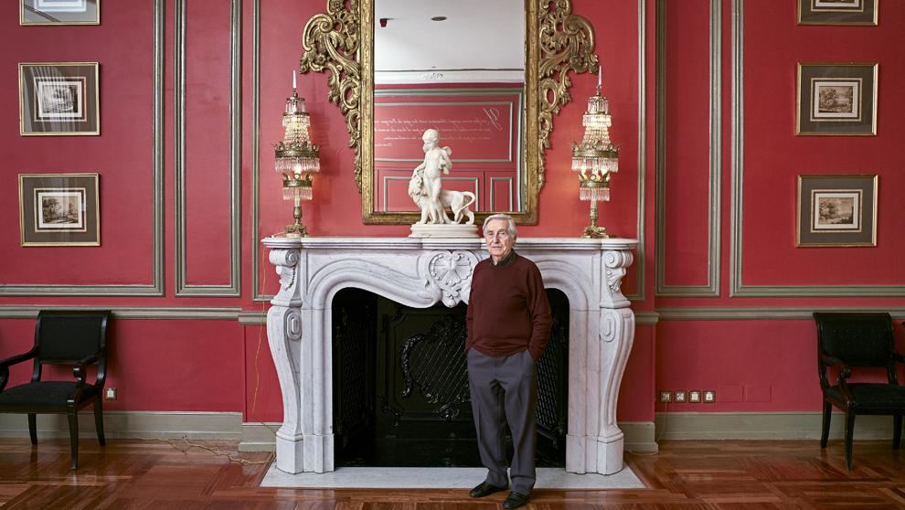 El músico, 85 años, en el Hotel Palace de Madrid en parada fugaz...