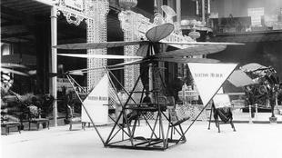 Los nietos del fundador de Vuitton, Jean y Pierre, presentaron en 1909...