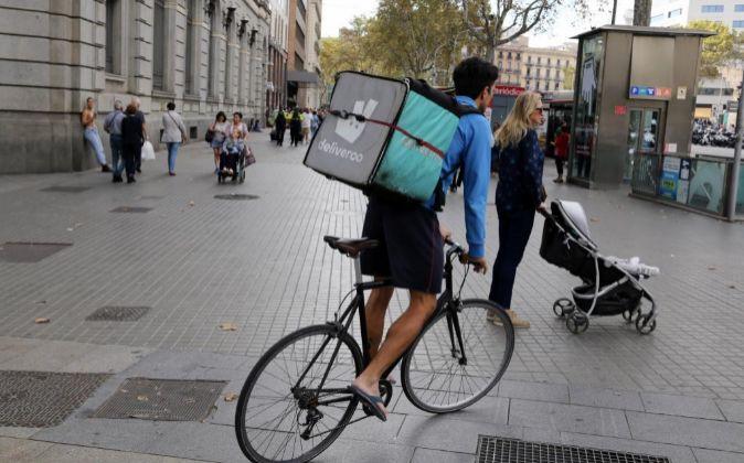 Repartidor de Deliveroo en Barcelona.