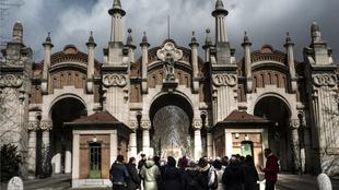 El referente del camposanto madrileño es el Cementerio Monumental de...