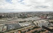 En 1993, Renfe licitó los suelos situados en las inmediaciones de la...