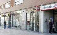 Sucursales en una calle de Madrid.