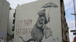 "Nueva York, Soho, ""Let them eat crack""."