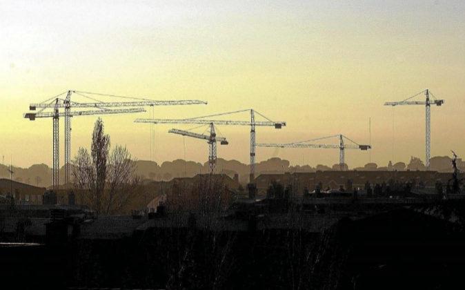 Los bufetes disparan la actividad del sector inmobiliario español