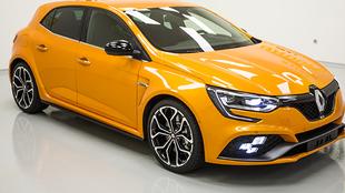 Megane R.S, fabricado por: Renault Sport (R.S.).