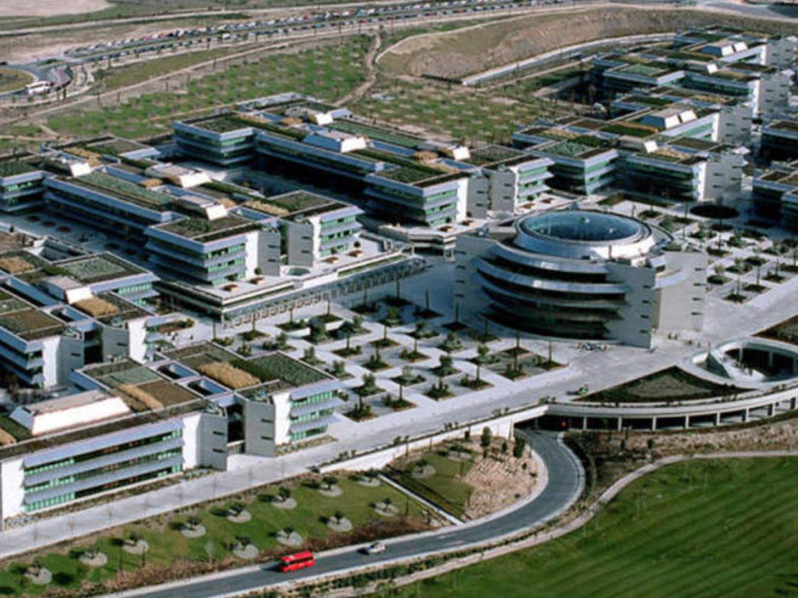 Con 100.000 m2 de techo verde se convierte en el más grande...