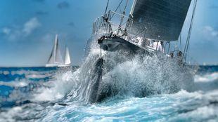 Un barco participante, durante la penúltima jornada de la Antigua...