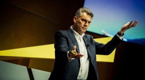 Aleksander Poniewierski, responsable de IoT de EY