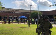 Llegada de las autoridades al instituto de Texas donde tuvo lugar el...