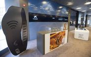Oficina Store de nuevo diseño de CaixaBank en Pamplona.