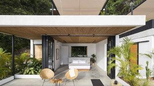 El hotel Mint Santa Teresa, creado por dos surferos en Costa Rica, se...