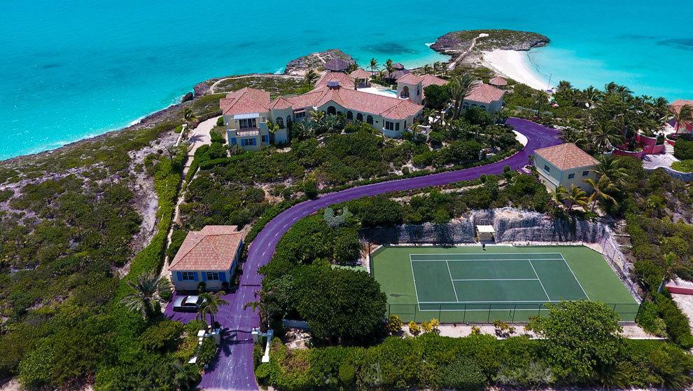 A la vivienda de Prince se puede acceder por puerto privado y cuenta...