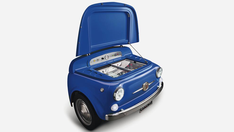 El morro del Fiat 500 convertido en nevera, 10.550 euros.