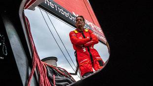 El navegante Joan Vila, en la cubierta del Mapfre, | Ugo Fonollá