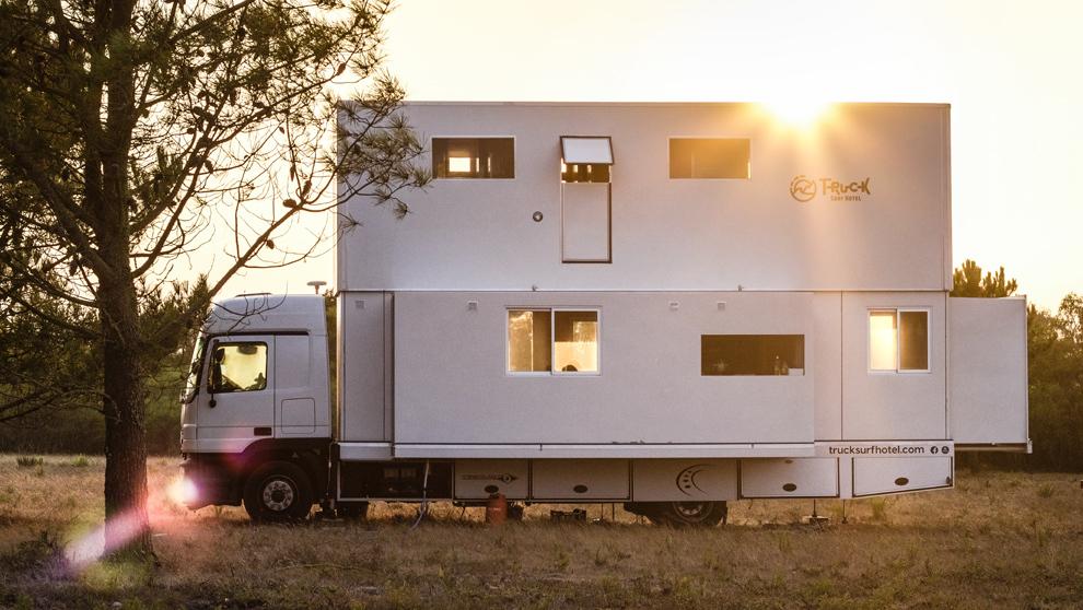 Truck Surf Hotel, hotel caravana para amantes del surf.