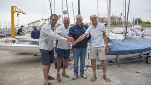 Los regatistas españoles Joaquín Blanco, Gerardo Seelinger, Jesús...