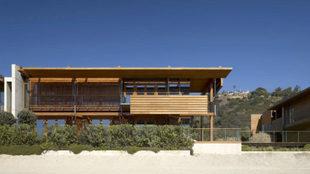 La casa está en una parcela de 4.000 metros cuadrados, de los que 800...