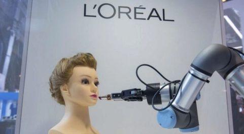 Viaje a través de nuestra vida cotidiana. L'Oréal fue una de...