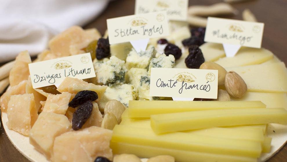En una tabla de quesos debe haber una gran variedad de diferentes...
