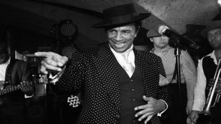 August Darnell, cantante de Kid Creole and the Coconut en plena...