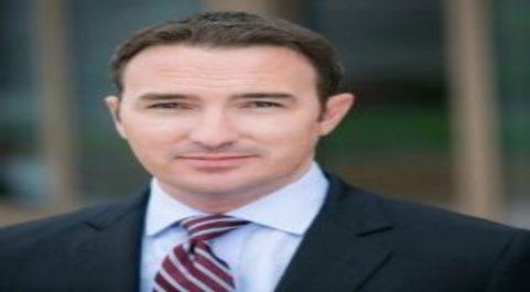 Scott Mullins, director global de Desarrollo de Negocios de Servicios...